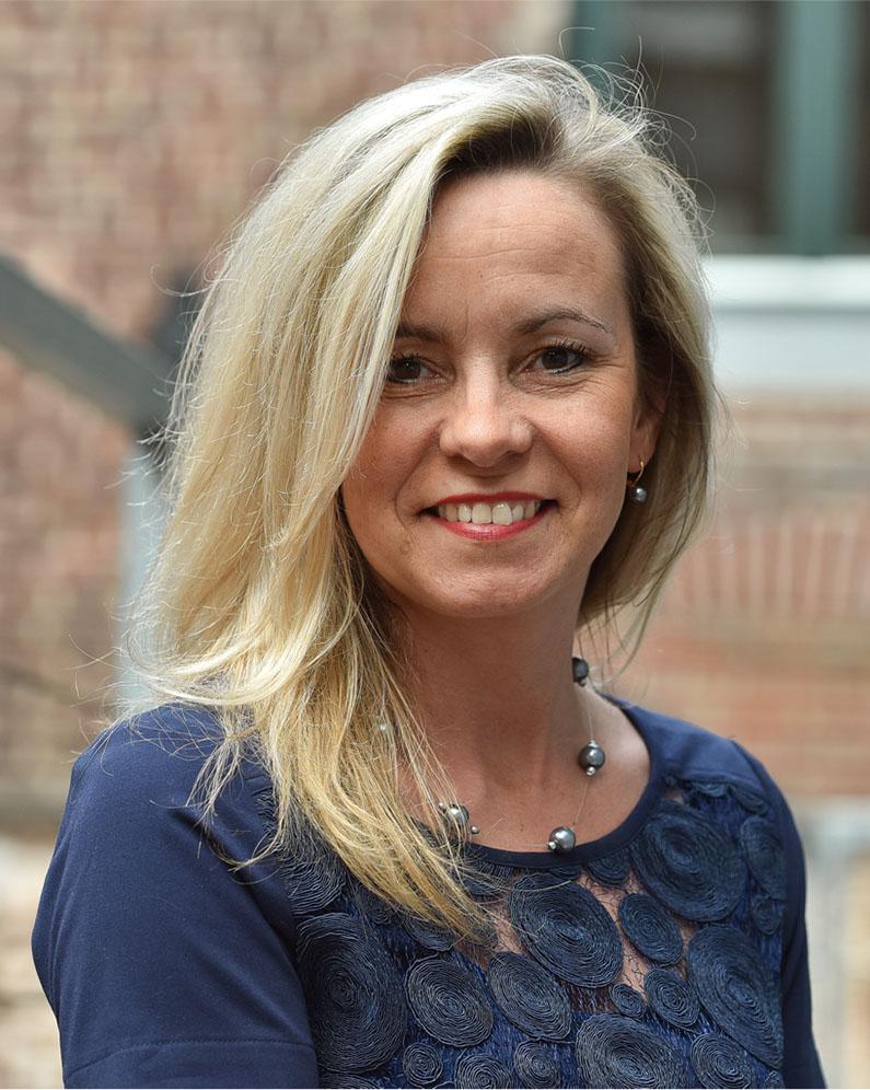 Pia Mueters<br />personele zaken (algemeen bestuur)